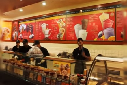 coldstone ice cream serving in dubai