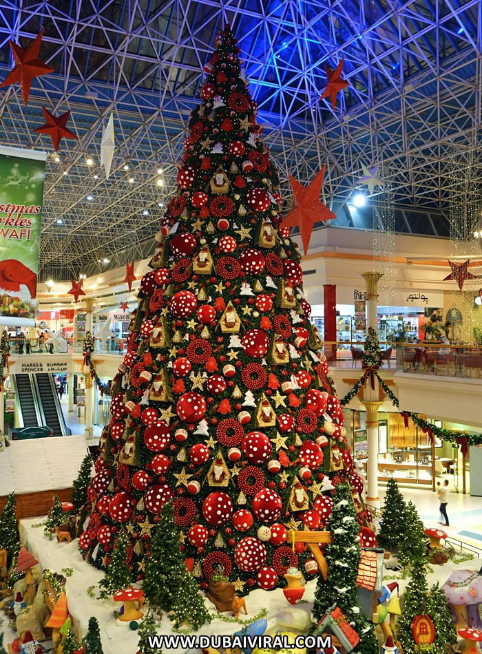 christmas tree wafi mall dubai